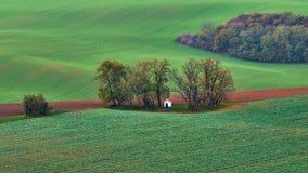 Panorama des Kapellenst. Barbara auf Moravian-Feldern während der Herbstzeit, Tschechische Republik Kyjov Lizenzfreie Stockfotografie