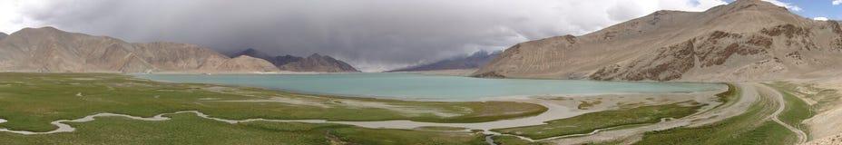 Panorama des Karakul See-, China Lizenzfreie Stockfotos