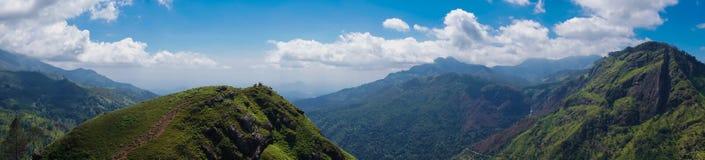 Panorama des kleinen Adam-` s Spitzen-Berges in Sri Lanka Stockfoto