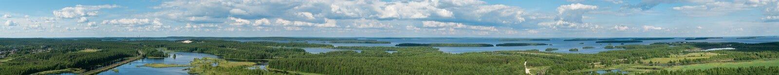 Panorama des lacs et des forêts images libres de droits