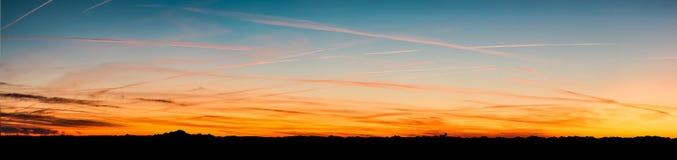 Panorama des montagnes d'Alpes voyant du Beaujolais, Frances Image libre de droits