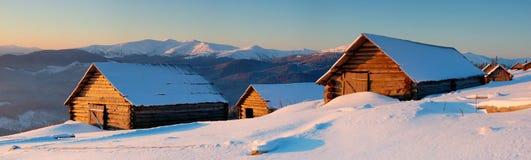 Panorama des montagnes de l'hiver Images libres de droits