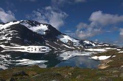 Panorama des montagnes en Norvège Photographie stock
