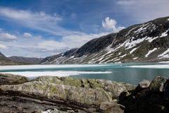 Panorama des montagnes en Norvège Photo stock