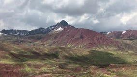 Panorama des montagnes péruviennes banque de vidéos