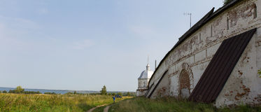 Panorama des murs et des tours du monastère de Goritsky Pereslavl-Zalessky Russie Photos stock