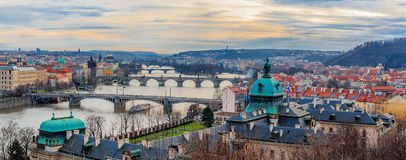 Panorama des ponts de Prague Photographie stock