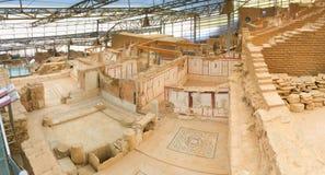 Panorama des römischen Steinreihenhausraumes mit verzierter Wand Stockbild