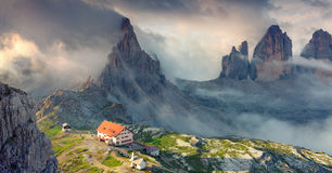 Panorama des rifugio Lacatelli im Nationalpark Tre Cime di L Lizenzfreies Stockbild