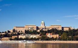 Panorama des Schlosses von Buda in Budapest Lizenzfreie Stockbilder