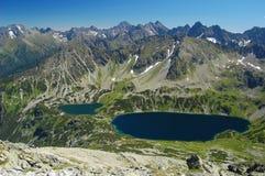 Panorama des Tales mit 5 Seen in hohem Tatras Stockbild