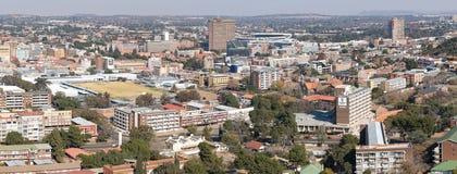 Panorama des Teils von Bloemfontein CBD, gesehen vom Marinehügel Stockfotos