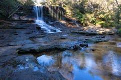 Panorama des weinenden Felsens fällt, Wasserfalllandschaft Stockbild