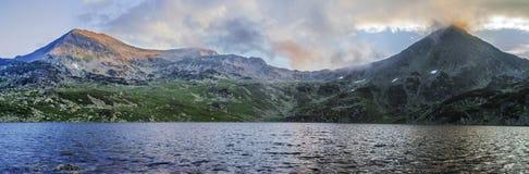 Panorama detalhado de alta resolução extra da paisagem de Retezat Imagens de Stock Royalty Free