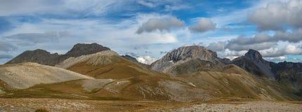 Panorama di autunno altamente in montagne Montagne di Caucaso Fotografia Stock Libera da Diritti