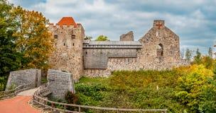 Panorama di autunno del castello medievale Fotografia Stock