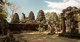 Panorama di Banteay Kdei con le torri Immagini Stock Libere da Diritti