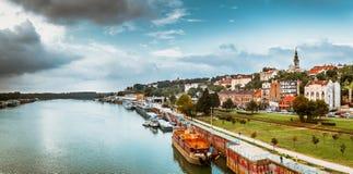 Panorama di Belgrado con il fiume Sava Tono di colore sintonizzato fotografie stock
