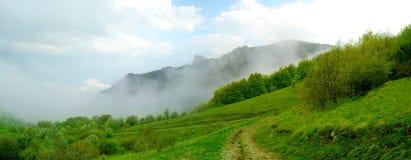 Panorama di bello paesaggio della montagna Fotografie Stock