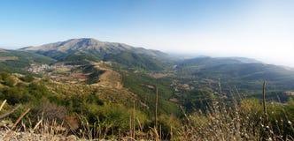 Panorama di bello paesaggio della montagna Immagini Stock Libere da Diritti