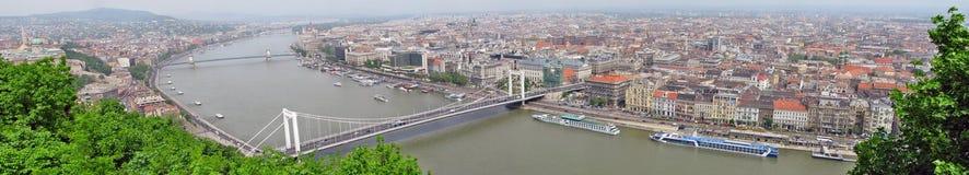 Panorama di Budapest con il Danubio Fotografie Stock Libere da Diritti