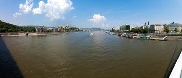 Panorama di Budapest dal ponticello di Elisabeth Immagine Stock