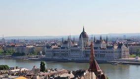 Panorama di Budapest e della costruzione del Parlamento, Ungheria video d archivio
