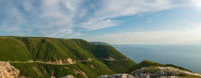 Panorama di Cabot Trail dalla traccia dell'orizzonte sguardo-di Fotografia Stock