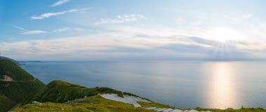 Panorama di Cabot Trail dallo sguardo-fuori della traccia dell'orizzonte Fotografia Stock