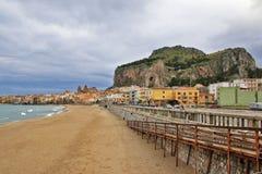 Panorama di Cefalù - la Sicilia Fotografia Stock Libera da Diritti