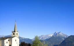 Panorama di estate della valle d'Aosta Immagine di colore Immagine Stock