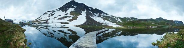 Panorama di estate delle alpi Fotografia Stock