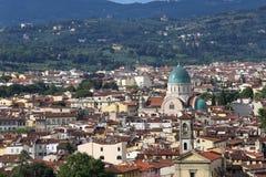 Panorama di Firenze e nella priorità alta la sinagoga Immagini Stock Libere da Diritti
