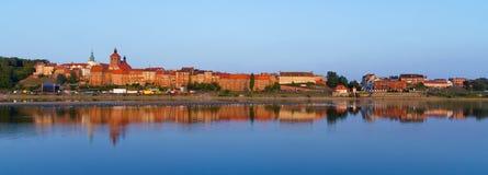 Panorama di Grudziadz al fiume della Vistola Fotografia Stock