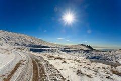 Panorama di inverno dalle alpi italiane Immagini Stock
