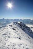 Panorama di inverno, montagne nevose Fotografie Stock Libere da Diritti