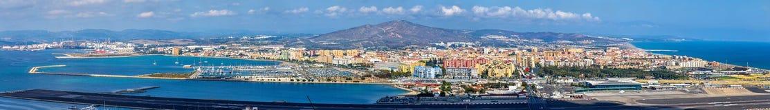Panorama di La Linea e dell'aeroporto di Gibilterra Fotografia Stock