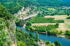 Panorama di La Roque Gageac nella Dordogna, Francia Fotografia Stock Libera da Diritti