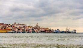Panorama di Lisbona da Almada Fotografie Stock