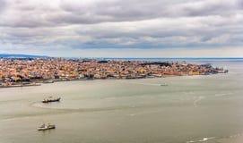 Panorama di Lisbona da Almada Immagini Stock
