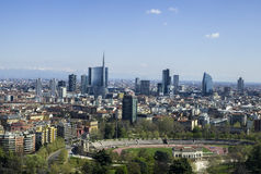 Panorama di Milano - arena e nuovi grattacieli immagini stock