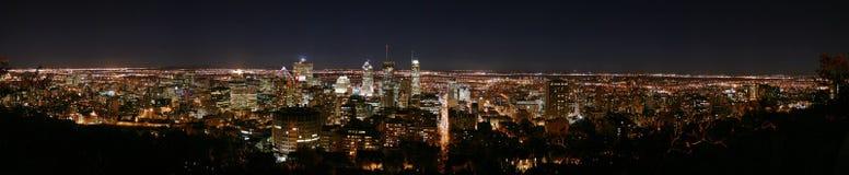 Panorama di Montreal entro la notte Fotografia Stock