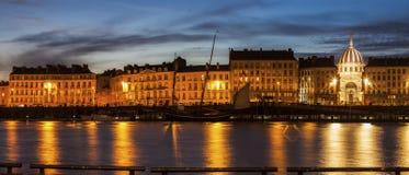 Panorama di Nantes attraverso il fiume Loira Fotografie Stock Libere da Diritti
