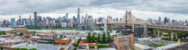 Panorama di New York Manhattan, ponte di Queensborough, Roosevelt Island fotografia stock libera da diritti