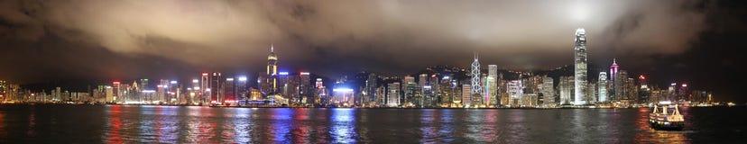 Panorama di notte del porto Hong Kong della Victoria Fotografia Stock Libera da Diritti