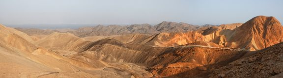 Panorama di paesaggio del deserto al tramonto Fotografia Stock