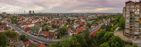 Panorama di paesaggio urbano di Belgrado con il bello cielo variopinto Immagini Stock Libere da Diritti