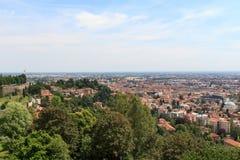 Panorama di paesaggio urbano di Bergamo visto da Citta Alta Fotografia Stock Libera da Diritti