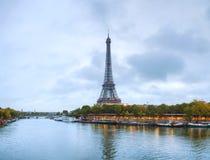 Panorama di paesaggio urbano di Parigi con la torre Eiffel Immagine Stock Libera da Diritti