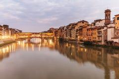 Panorama di Ponte Vecchio, ponte famoso a Firenze, Italia immagine stock libera da diritti